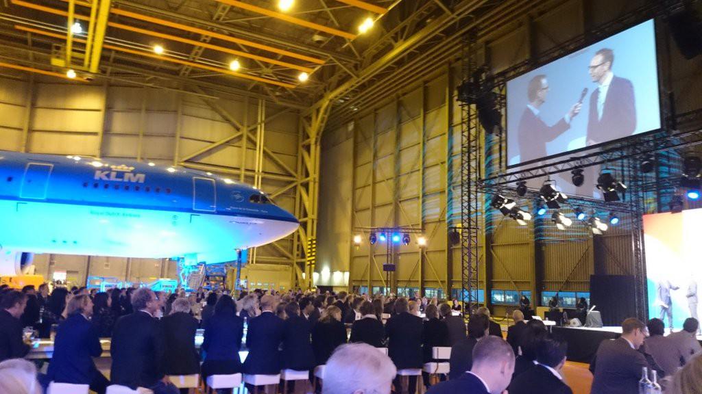Ronnie Overgoor - Dagvoorzitter op Oranje Handelsmissiefonds 2015 - Hangar 12 - Schiphol